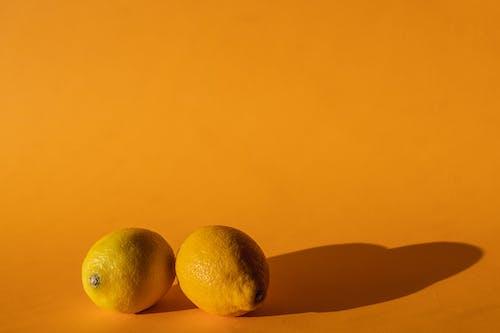 Fotos de stock gratuitas de adentro, amarillo, áspero