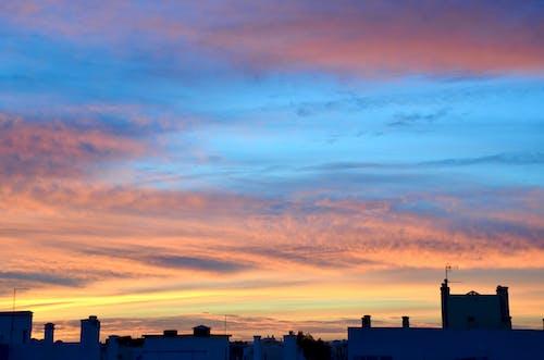 Darmowe zdjęcie z galerii z kolory nieba, zachód słońca