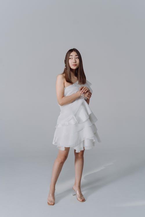Бесплатное стоковое фото с copyspace, азиатский, белый фон