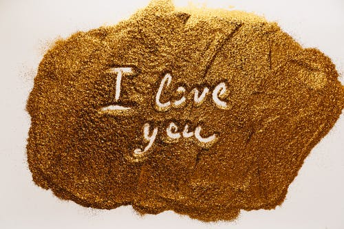 Text on Gold Grain