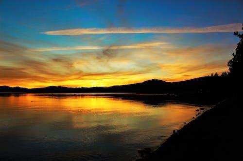 Gratis stockfoto met achtergrondlicht, avond, avondzon, berg