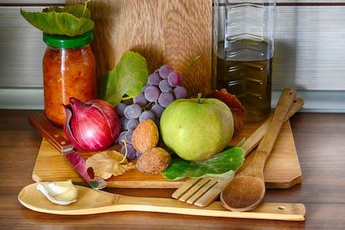 Безкоштовне стокове фото на тему «apple, банка, виноград, волоські горіхи»