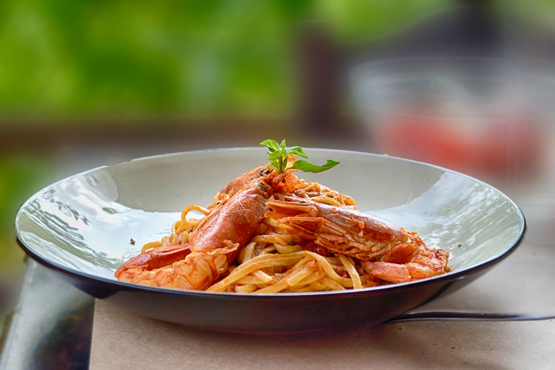 Close-Up Photography of Cooked Shrimps and Pasta