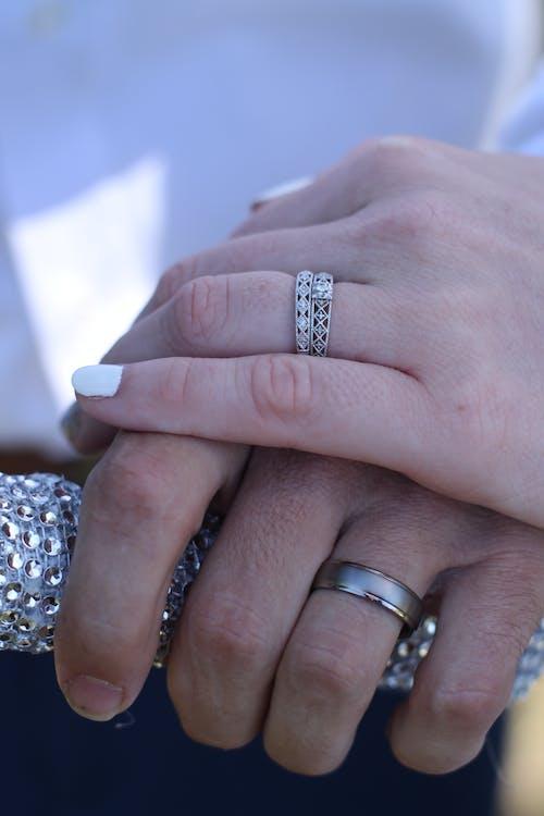 Immagine gratuita di adulto, anelli, anello di fidanzamento