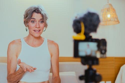 คลังภาพถ่ายฟรี ของ vlogger, vlogging, การพูด