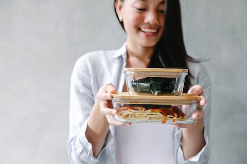Gratis arkivbilde med asiatisk kvinne, avling, bekymringsløs