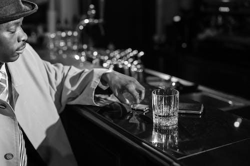 Gratis stockfoto met Afro-Amerikaans, balk, bar