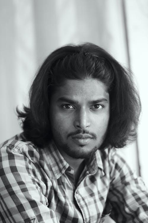 Imagine de stoc gratuită din alb-negru, bărbat indian, cămașă în carouri