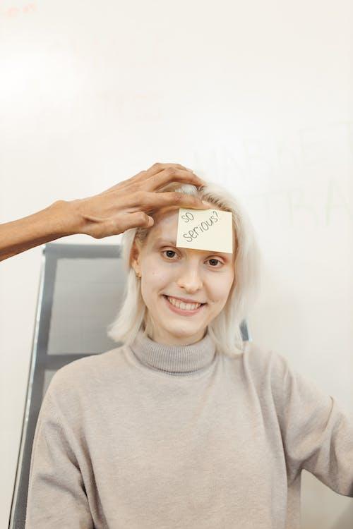 Základová fotografie zdarma na téma běloch, bílá, blond