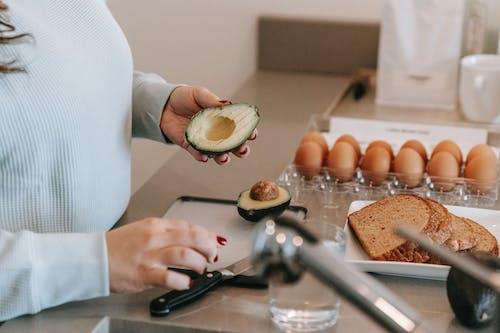 Безкоштовне стокове фото на тему «авокадо, Анонімний, апетит»