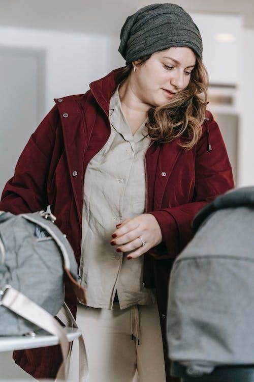 Foto d'estoc gratuïta de abric, acollidor, adult