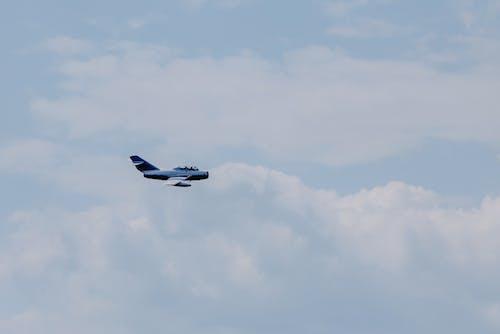 Fotos de stock gratuitas de aeronave, aire, al aire libre