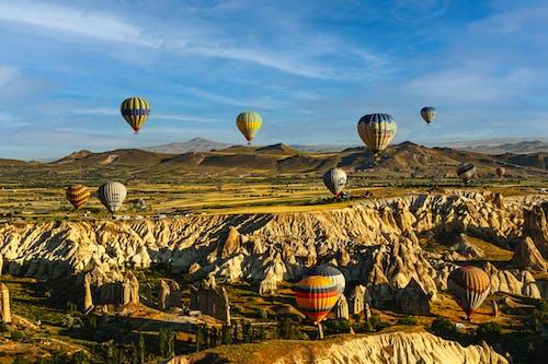 açık hava, dağlar, dış mekan içeren Ücretsiz stok fotoğraf