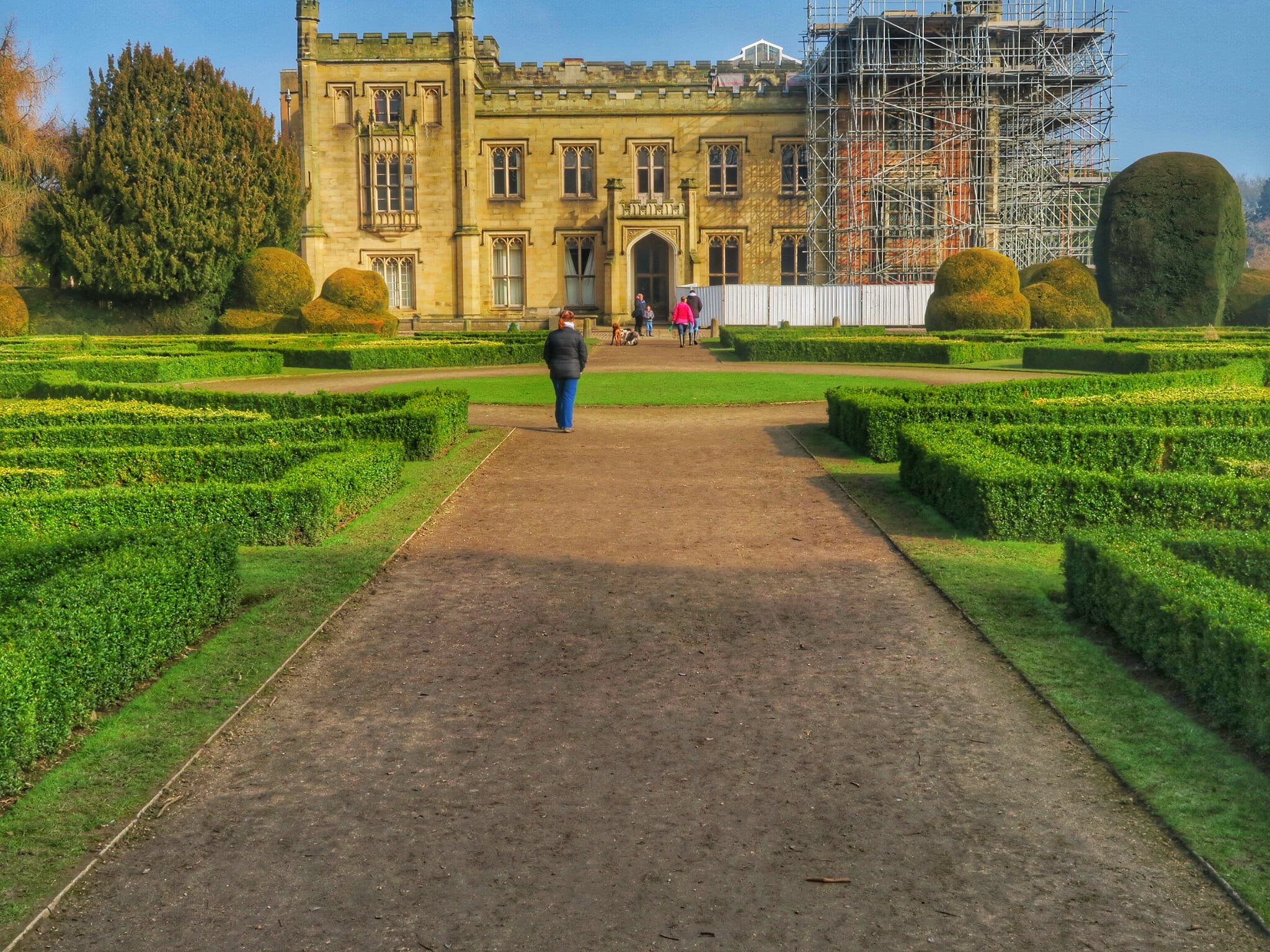 Free stock photo of landscape, gardens, hedging, historic house