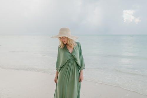 Immagine gratuita di abito, acqua, acqua di mare