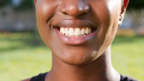 Foto profissional grátis de boca, característica facial, close