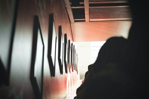 Kostnadsfri bild av bild ram, ljus, oskärpa, person