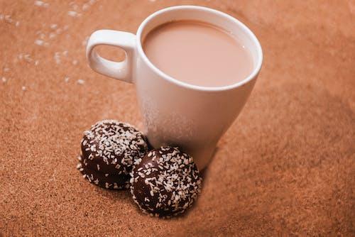 Δωρεάν στοκ φωτογραφιών με γλυκά, εσωτερικοί χώροι, ζεστός, καφεΐνη