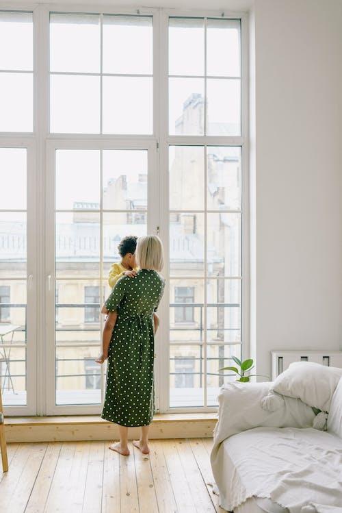 Foto stok gratis anak, dalam ruangan, di rumah