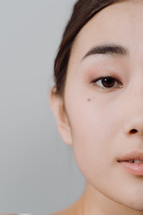 Close-Up Shot of a Pretty Woman