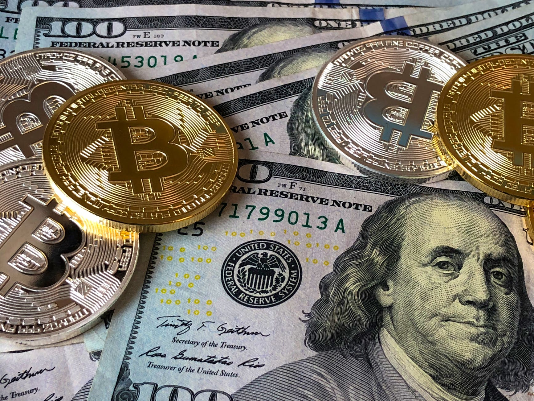 Who can make money with Bitcoin Revival?