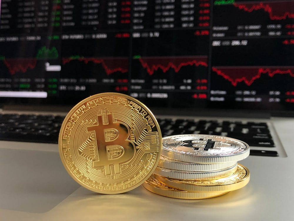 Free stock photo of cryptocurrency, Gold bitcoin, laptop