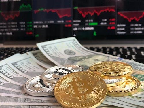 Бесплатное стоковое фото с bitcoins, валюта, деньги, криптовалюта