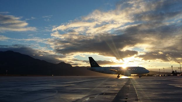 250 engaging airplane photos pexels free stock photos