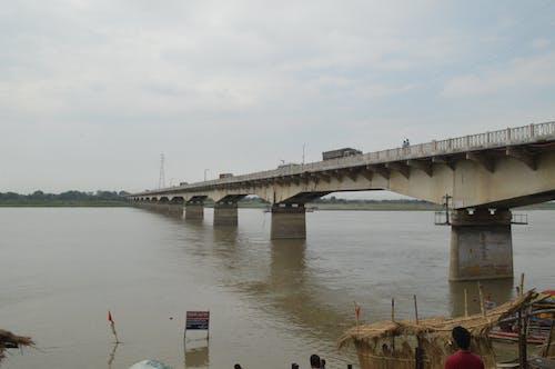 Безкоштовне стокове фото на тему «берег річки, сторона річки»