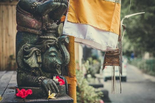 Lord Ganesha Statue Photo