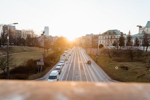 Foto profissional grátis de asfalto, automóveis, capital