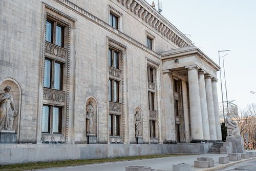 Building With Neoclassical Design