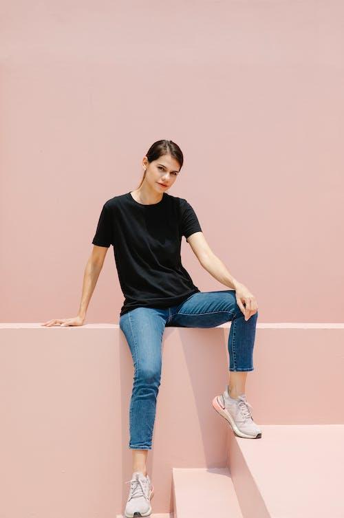 Fotos de stock gratuitas de al aire libre, calzado, camiseta