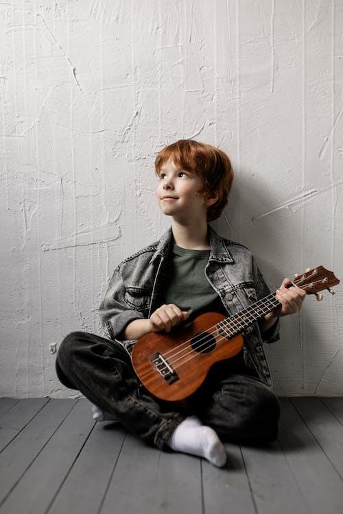Imagine de stoc gratuită din artist, băiat, chitarist