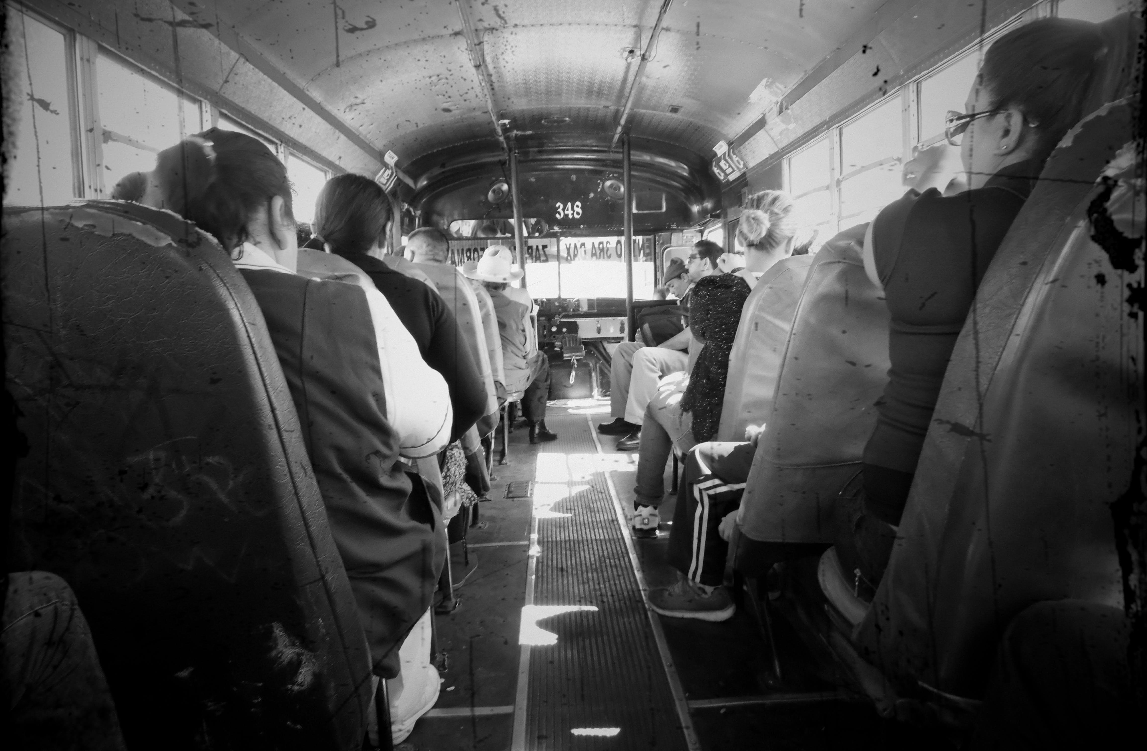 Free stock photo of Autobus, fotografia, Personas, urbano