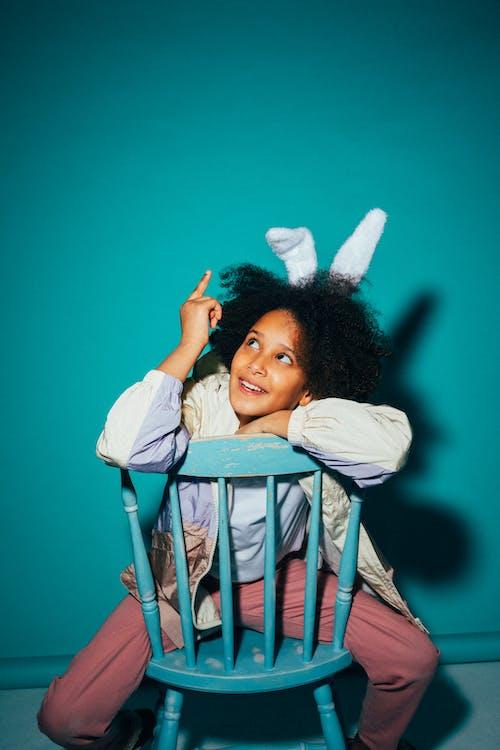 アフリカ系アメリカ人の女の子, アフロ, うさぎの耳の無料の写真素材
