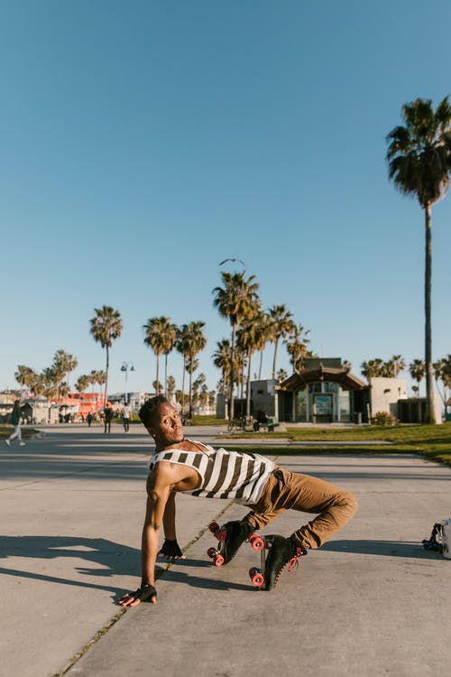 Gratis stockfoto met Afro-Amerikaanse man, blauwig, buiten