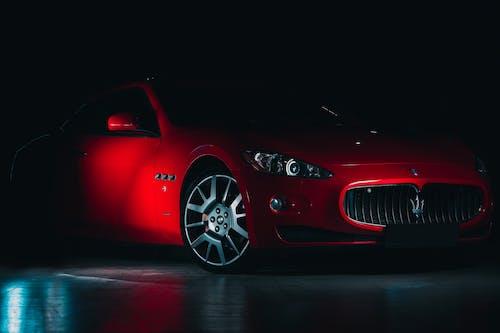 Immagine gratuita di auto, auto di lusso, auto rossa