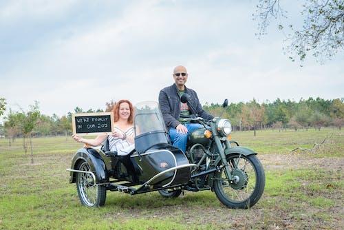 Ilmainen kuvapankkikuva tunnisteilla moottoripyörä, sivuvaunu, vuosipäivä