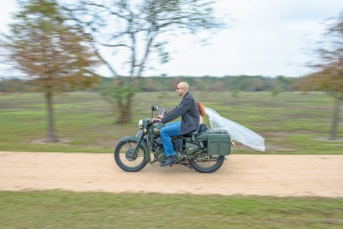 Ilmainen kuvapankkikuva tunnisteilla moottoripyörä, sivuvaunu