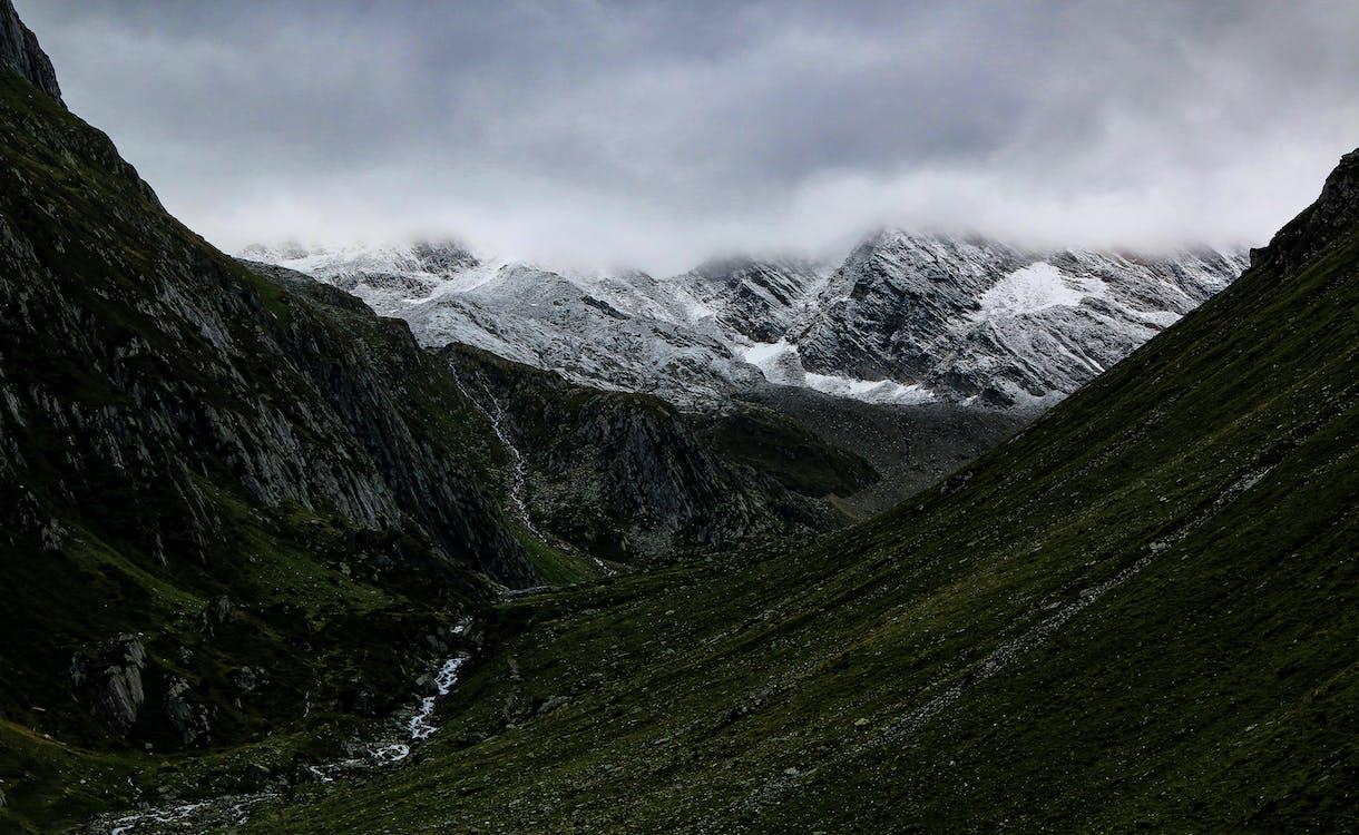 ängar, äventyr, bergen