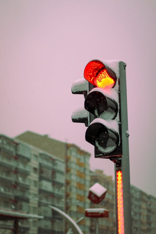Immagine gratuita di inverno, luce rossa, nevicata