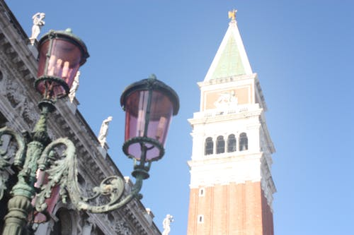 Fotos de stock gratuitas de antiguo, arquitectura, catedral, cielo azul
