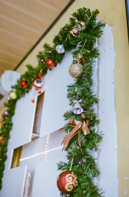 ぶら下がり, クリスマス, クリスマスの装飾, クリスマスの飾りの無料の写真素材