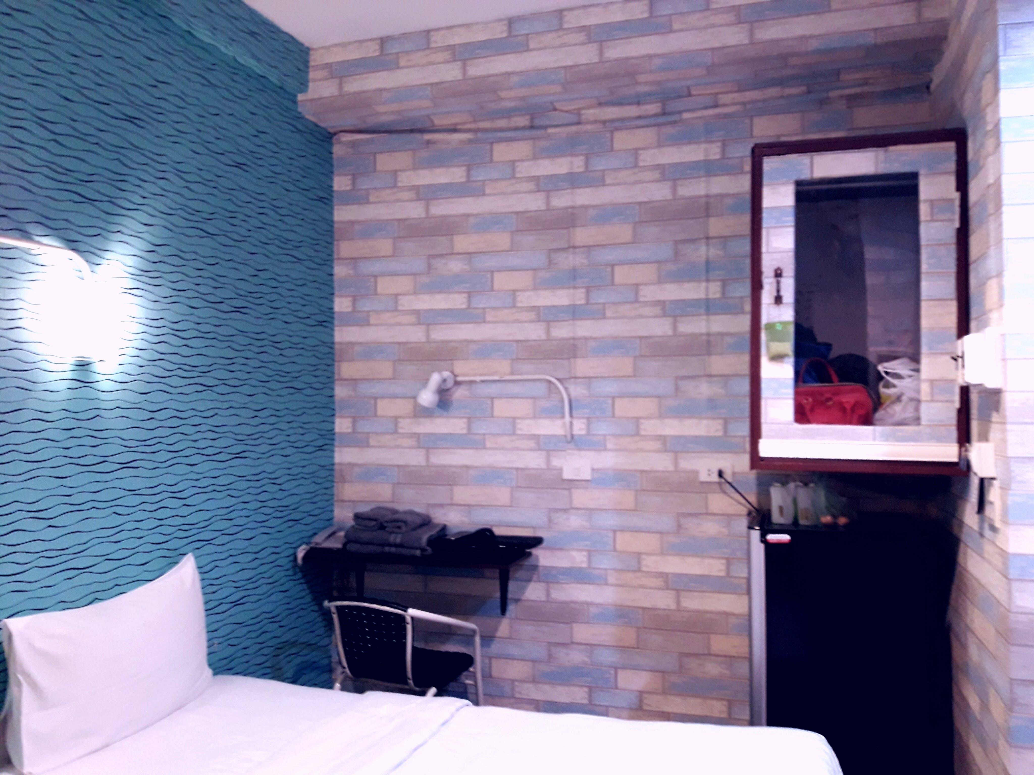 Free stock photo of bedroom, interior, small room, studio
