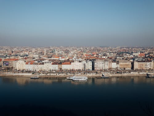 Безкоштовне стокове фото на тему «архітектура, берег моря, вода»