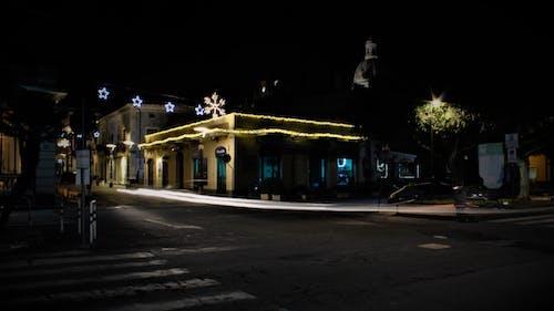 fenomeno della luce, luci della cittã, luci stradali, Noel ışıkları s içeren Ücretsiz stok fotoğraf