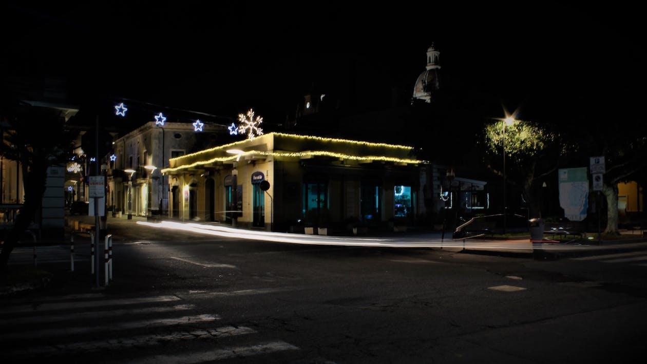 fenomeno della luce, luci della città, luci di natale