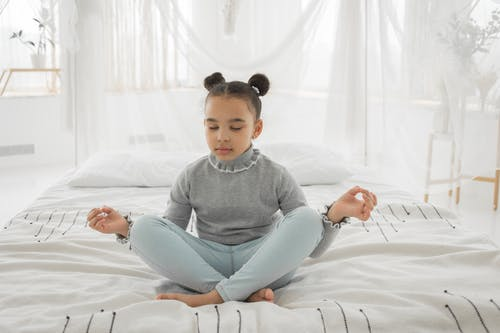 afrikalı-amerikalı çocuk, alıştırma, apartman içeren Ücretsiz stok fotoğraf