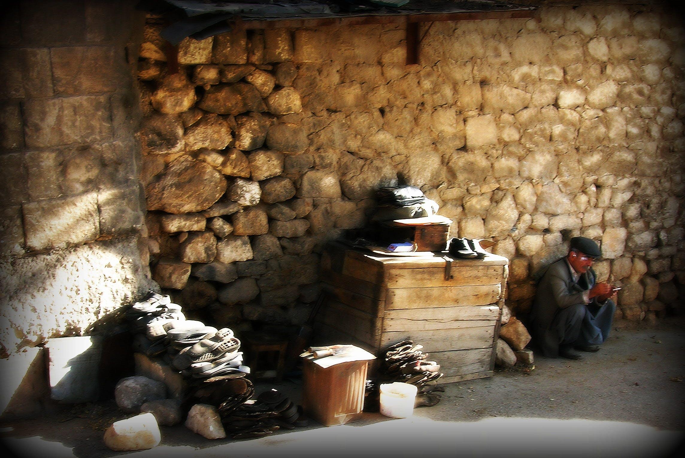 Free stock photo of Ayakabı tamircisi, Emekçi, Koşkâr